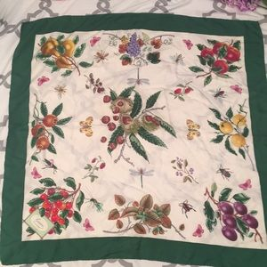 Gucci scarf vintage condition issues botanical